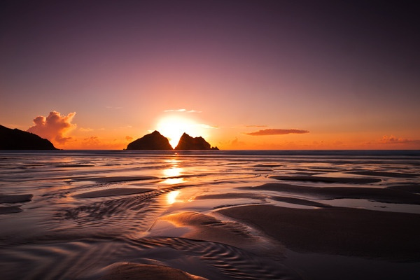 Holywell Bay by robs