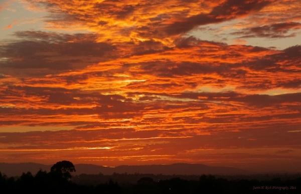 Dawn over Mt. Dandenong by Jayar