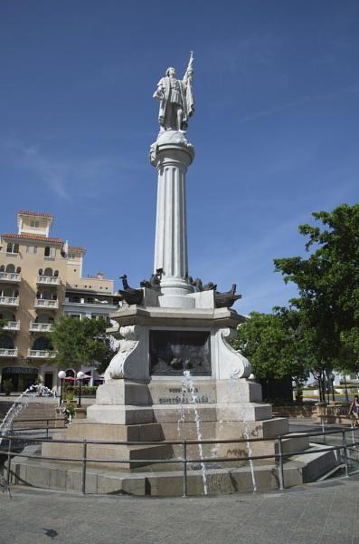 Plaza De Colon by mannypr