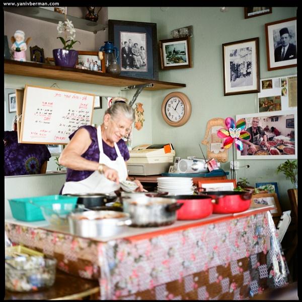 Julie\'s Kitchen by Royalrat