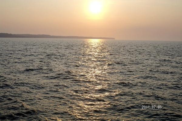 early morning sun by gwynn56