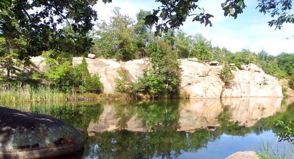 Elephant Rock by sazzykins