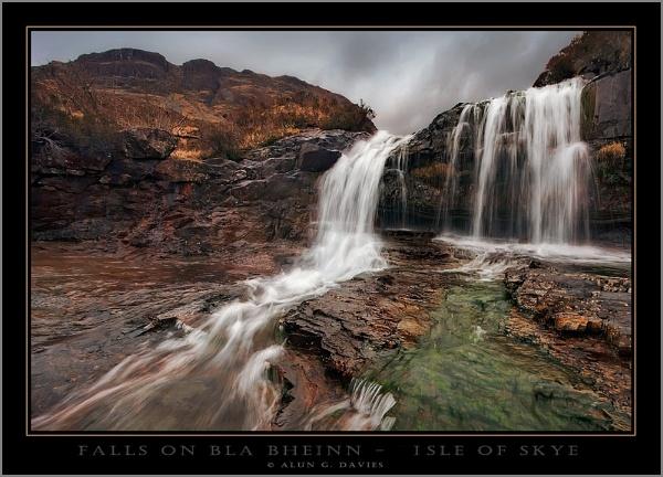 Falls on Blaven by Tynnwrlluniau