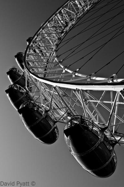 Millenium wheel by hornchurch