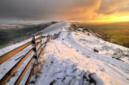 Winter sunrise - Mam Tor, Derbyshire