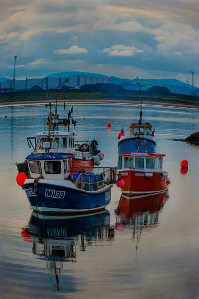Boats at the South Gare by nimmo47
