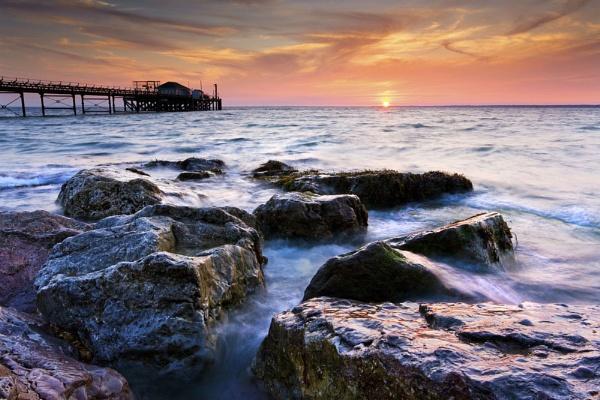 Totland Bay by paynets