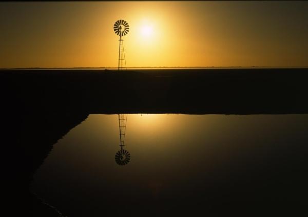 Lake Mungo by steveowea