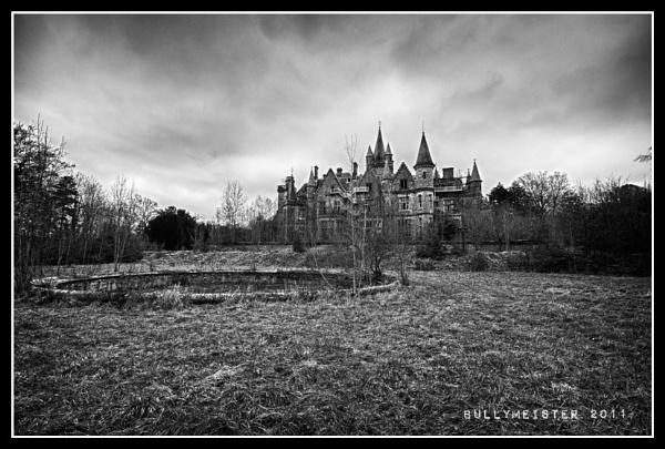 Château de Noisy, Belgium. by bullymeister