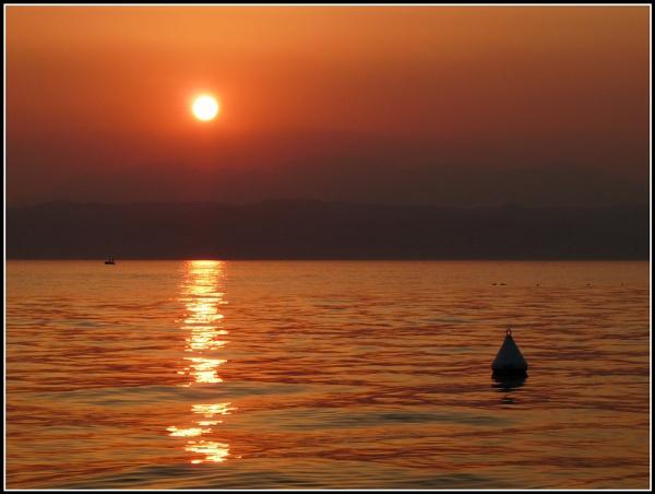 Garda Sunset by tony_hoops