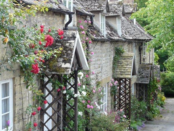 Roses Around The Door by Philip_H