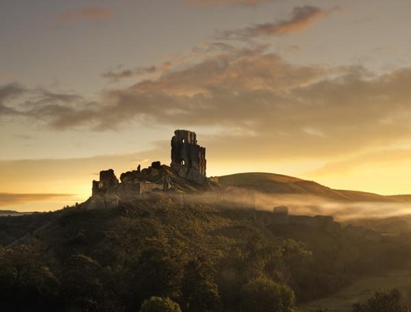 Corfe Castle Dawn by rogerbryan