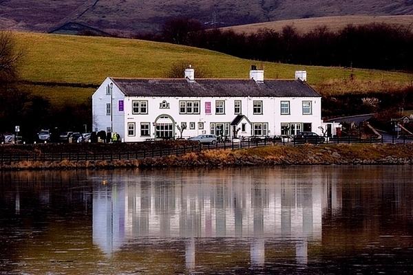 Lakeside Inn by rhol2