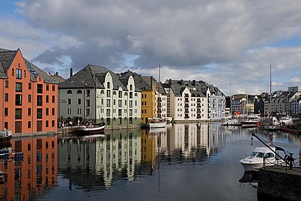 Alesund - Norway by nbatchford