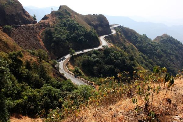 Winding Roads..Gaganbawda, Maharashtra by santosh275