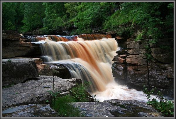 Keld Water Fall by Les_Cornwell