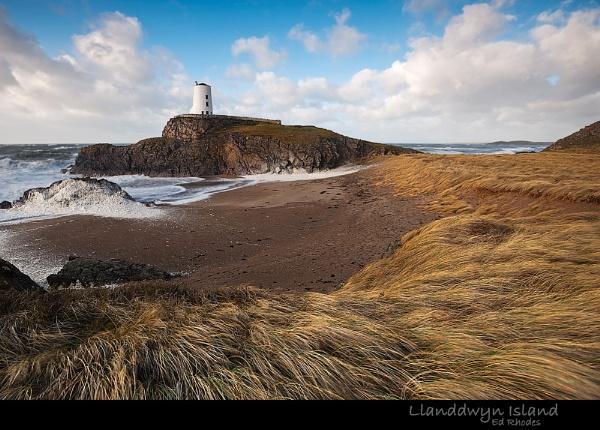 Llanddwyn Island by edrhodes