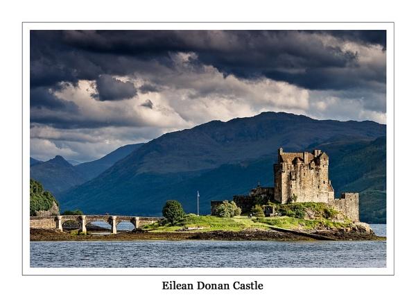 Eilean Donan Castle by newy17