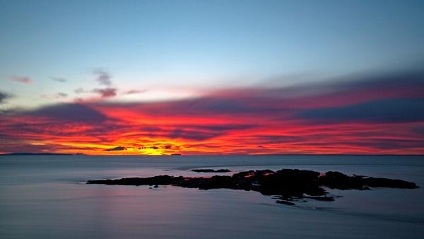 canadian dawn by Les_G