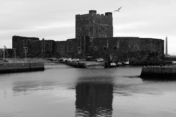 Carrickfergus Castle by diamondgeaser
