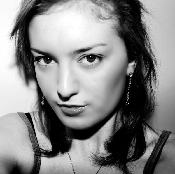 Eye contact by AliceLuisePhotography