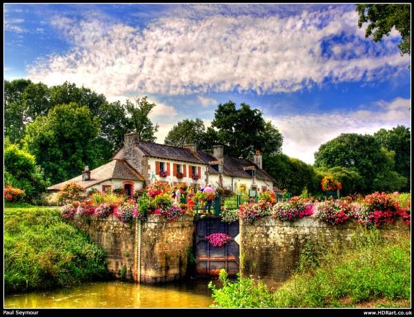 Bretagne Lock gate by pauldawn