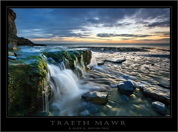 Where fresh and salt water mingle by Tynnwrlluniau