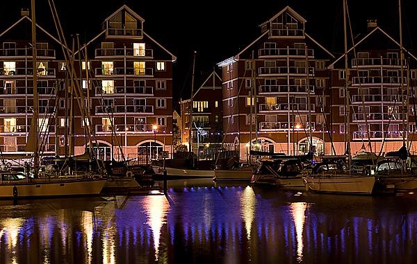 Ipswich Marina by Night by nbatchford