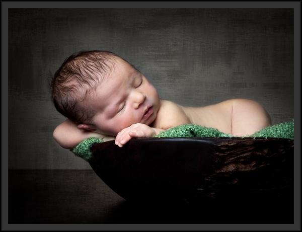 Newborn Zzzzz by SUSIE_SUE
