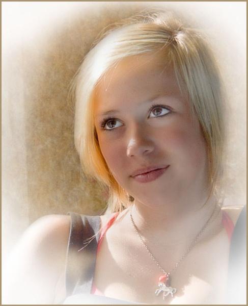 Nicole by Daisymaye