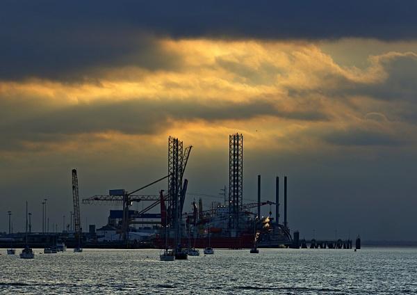 Harwich Sunset. by macroman