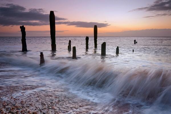Beach Ruins by Bee76