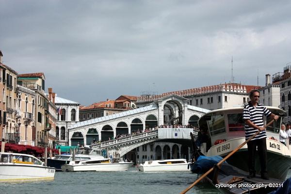 Rialto Bridge by desbarnio