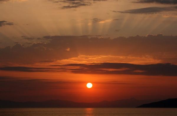 Stoupa sunset by yarders