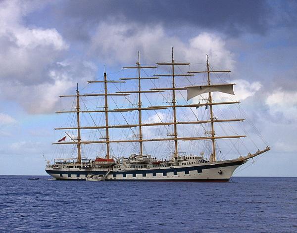 Tall cruise ship by wsteffey