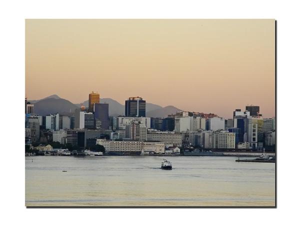 Rio de Janeiro central by EddyG