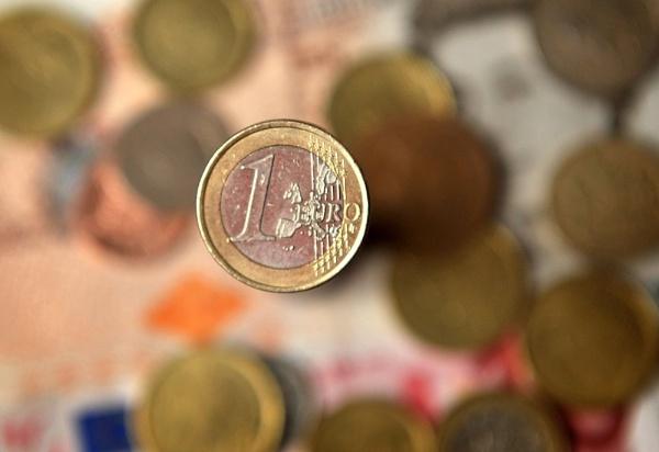 Euro by DarrenStarling