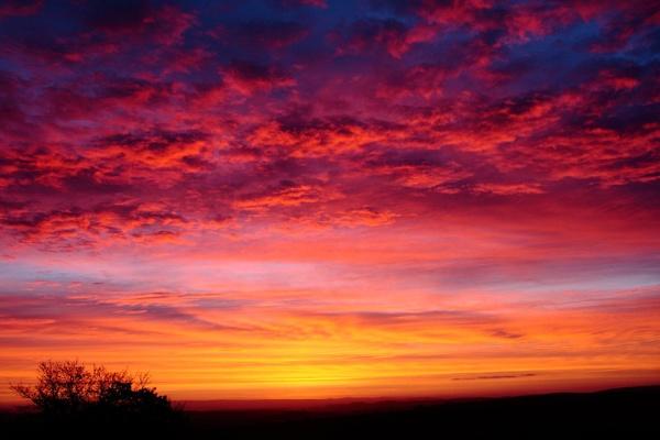 Dawn over Dartmoor by warbstowcross