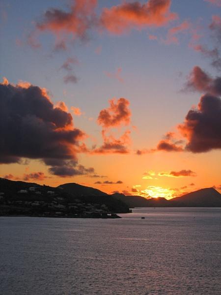Island sunrise by wsteffey