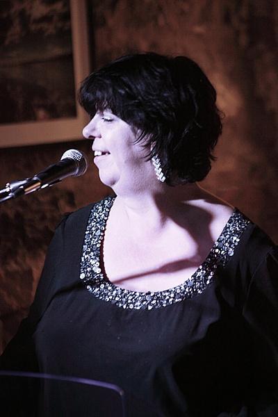The Singer II by adrian_w