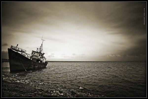 07624 - Ship Graveyard Rampside by Gernot