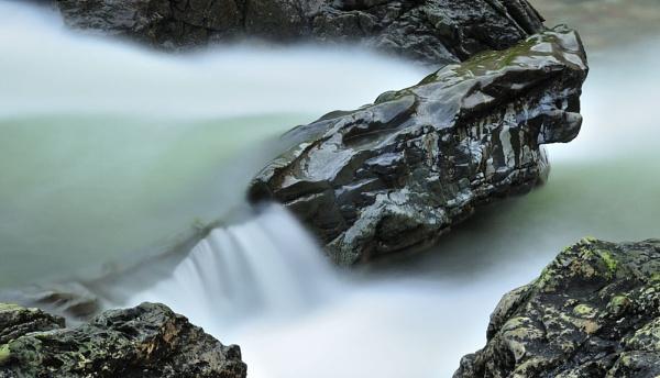 River Etive by dougie_n