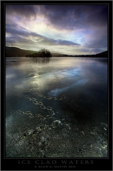 Waking on thin ice by Tynnwrlluniau