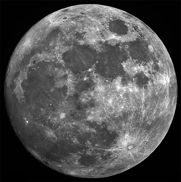 Moon by Steffen1209