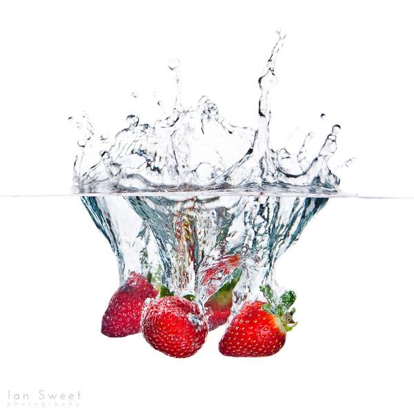 Strawberries by Ian_Sweet