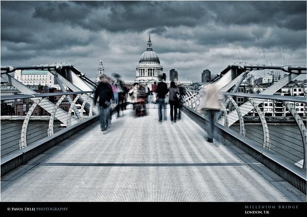 Millenium Bridge by d3looo