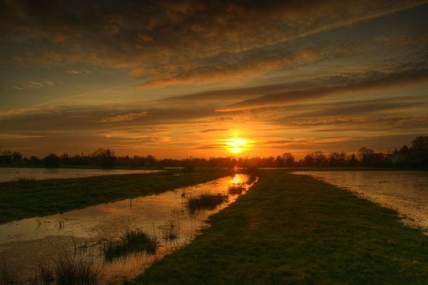 Sunset at somerset levels Burrow Bridge. by Myles2008