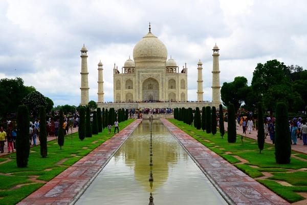 The monsoon Taj by kpramanik7