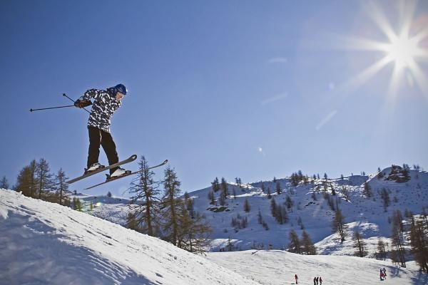 Flying on Ski\'s by cat001