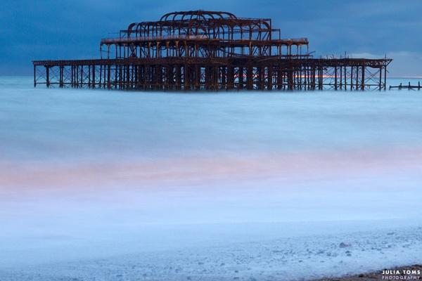 024/365 West Pier in Brighton by julzt